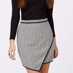 Missguided Black White Houndstooth Mini Skirt